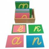 Трехцветные шероховатые буквы прописные наклонные