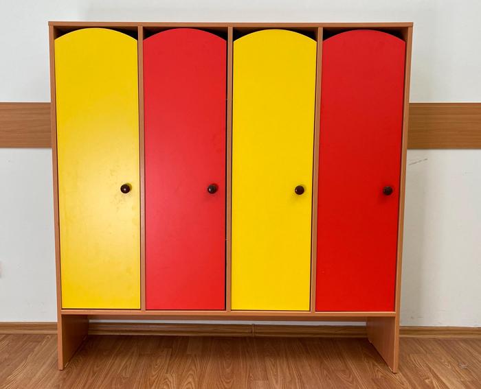 4-секционный шкаф с нишей под скамью