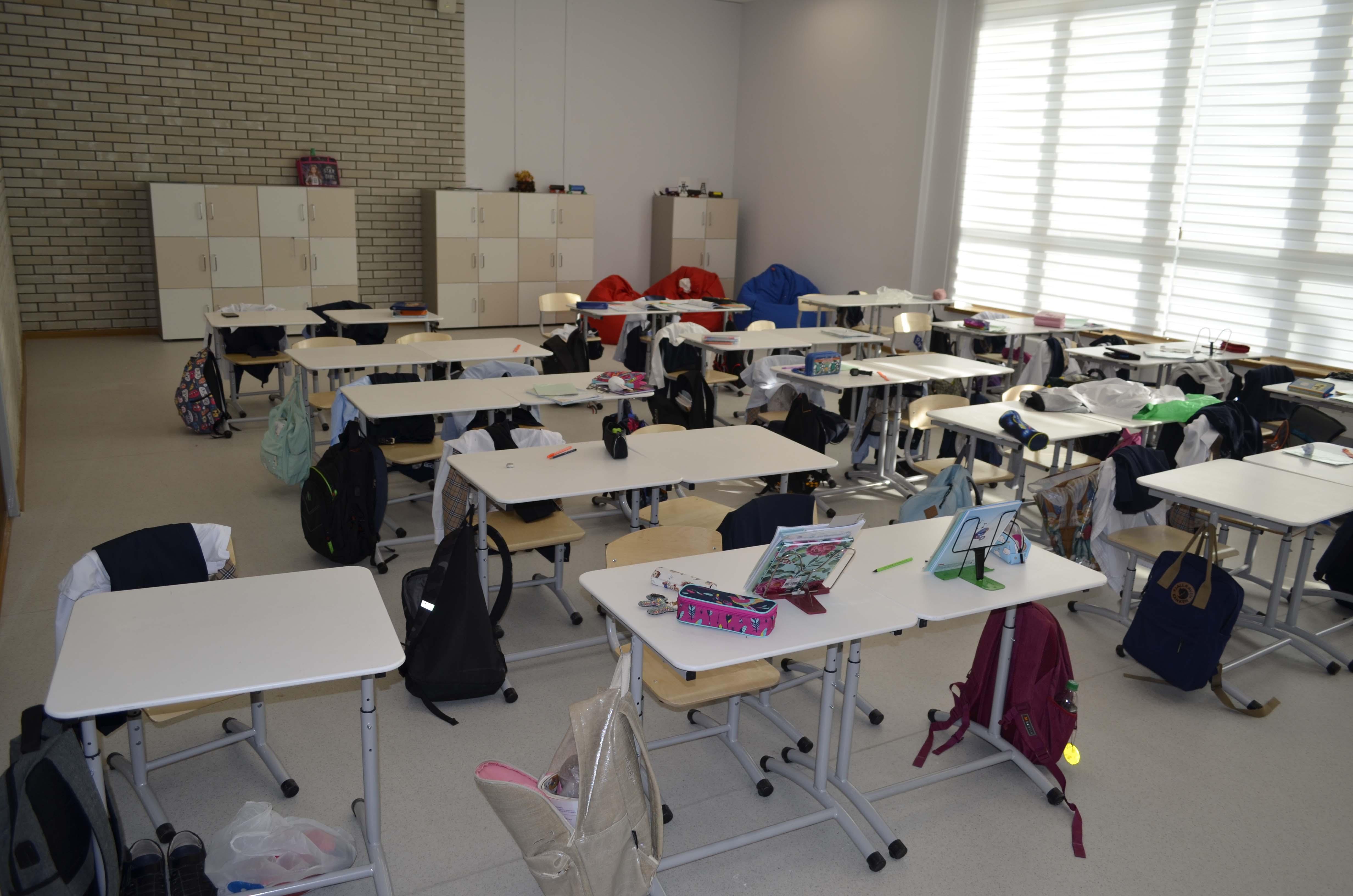 стильная и современная школьная мебель
